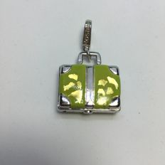 Handbag-shaped pendant in 18 kt white gold with cold enamel
