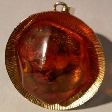 Designer amber pendant in silver 835, gold-plated with faceted Baltic amber, 7.81 g, 1950s