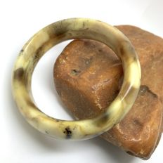 Vintage cut bracelet bangle of natural Baltic Amber, weight 46 grams - width 22 mm