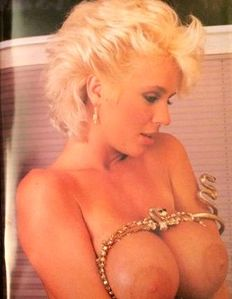 "Pornography; Lot with 10 ""Big Breasts"" magazines - 1990's"