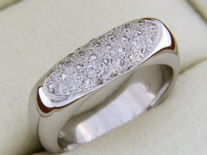 Jeweller ring white gold and diamonds - size 54