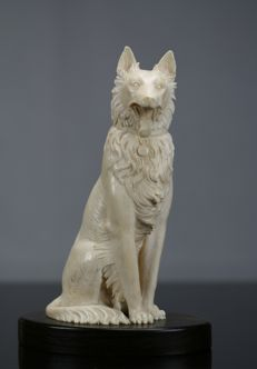 Finely carved ivory dog - Germany - early 20th century