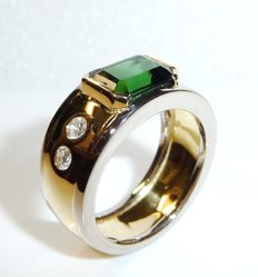 Solid ring made fo 750 / 18 kt gold/white gold - 4 diamonds of 0.40ct + tourmaline 2.7 ct, ring size 56-57