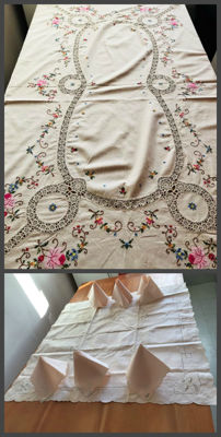Large vintage tablecloth with hand embroidery and lace band and vintage table set and tea tablecloth and 6 hand embroidered napkins