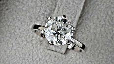 2.51  ct E/SI1 round diamond ring made of 14 kt white gold - size 7