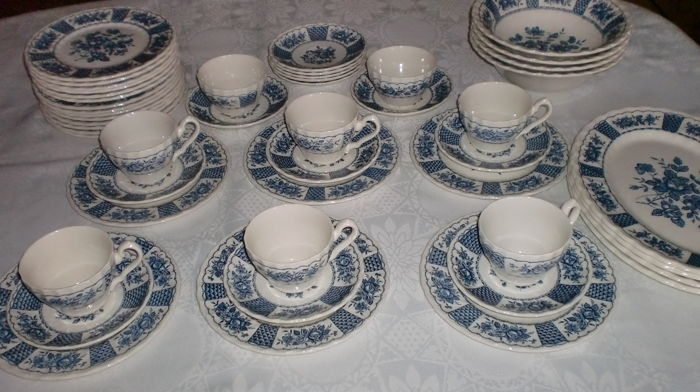 Myott, Fine Ironstone England – Melody, very good condition