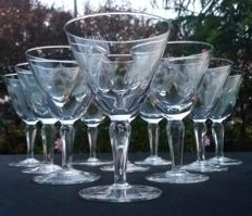 Saint Louis, lot of 10 glasses in cut and chiselled crystal