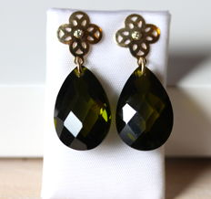 14 kt yellow-gold Cataleya Jewels earrings with peridot and zirconia