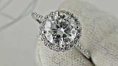 2.71 ct round fashion diamond ring made of 14 kt white gold - size 8