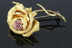 Lovely Retro 18K Rose Flower Pin 0.70Ct. Rubies Top Quality ***NO RESERVE***