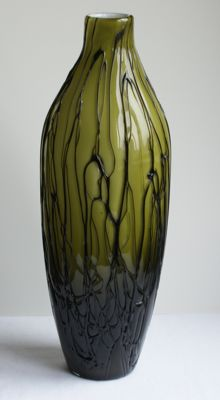 Kralik (attributed to) - glass vase with laid on glass threads