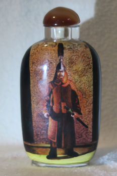 """Snuff bottle - interior glass painting - with 2 generals and the signature of the artist """"MoHai"""" - China 2016 (BingShen Year)"""