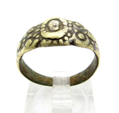 Late Medieval - Tudor Floral Wedding Ring - WEARABLE GIFT & GIFT BAG - 18 mm
