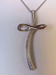 Necklace in 18 kt white gold with diamonds, 0.25 ct