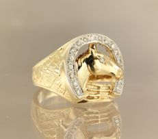 14 kt bicolour gold men's ring set with diamonds, approx. 0.30 ct in total - ring size 19.5 (61)