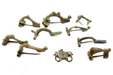 Selection of Ten Ancient Roman decorated brooches / fibulae - 28-62 mm (10)