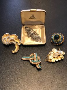 Collection of 5 Brooches;  duette clip Ciro in box, ca. 1940's 50's