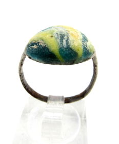 Medieval Silver Ring with a Green & Yellow Stone in Bezel - WEARABLE GIFT & BAG INCLUDED - 18 mm