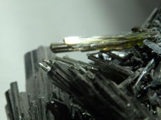 Perfect crystallized Tourmaline crystals -  11,5 x 5,5 x 4,5 cm - 248 gm