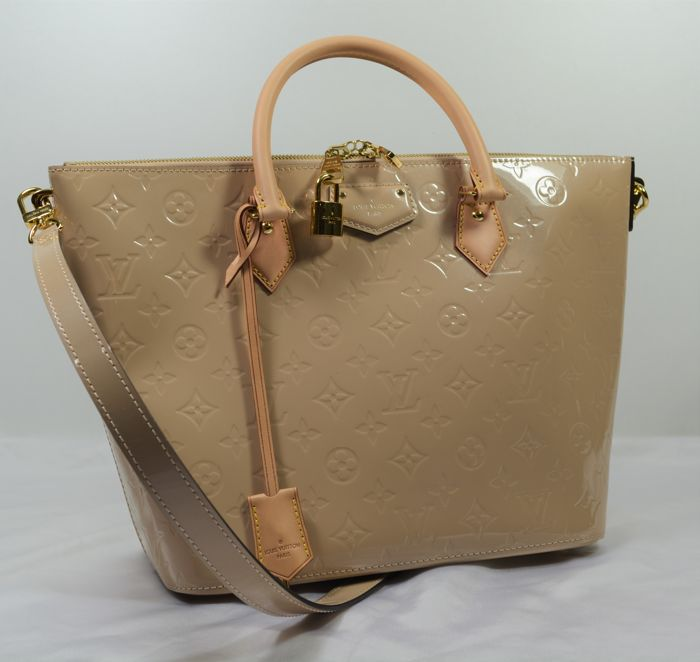Louis Vuitton - Montebello MV MM Dune Handbag