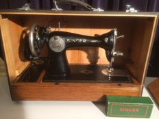 Singer hand sewing machine and carry case