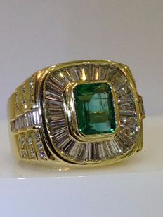 18ct yellow gold emerald and diamond large cluster ring, R 3/4.