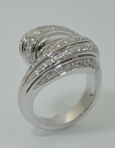 18-kt White-Gold Contrarie Ring with 1.1 ct of Diamonds - Size 15