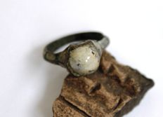 Medieval bronze ring with enamel & stone - 22 x 25 mm