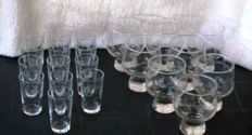 Vintage - 21 crystal glasses with bunches of grapes, signed