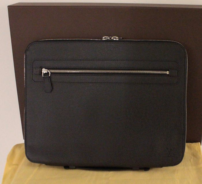 Louis Vuitton - Taiga Vladimir Business Portfolio Briefcase