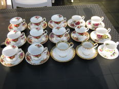 Lot of 15 cups and saucers, i.a.  Royal Albert (Old Country Roses), Elizabethan, Royal Jewel, Highland Thistle
