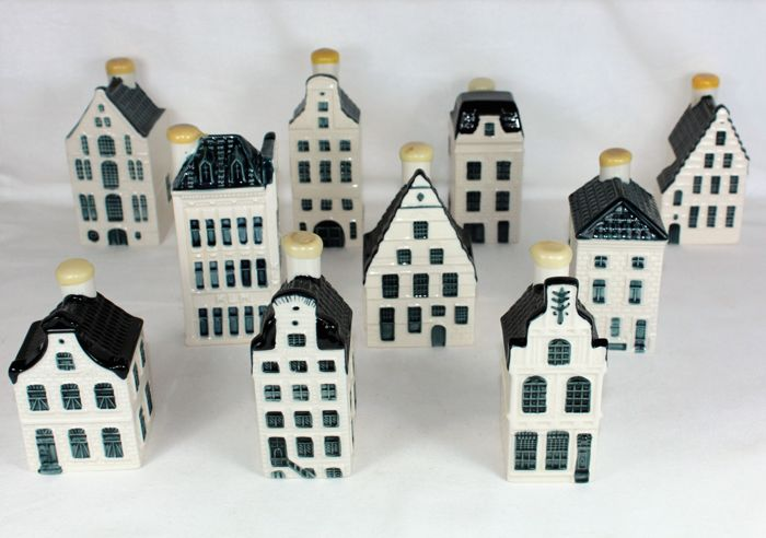 10 KLM Delft Blue Business class houses - Bols - including house 75, the former KLM head-office!