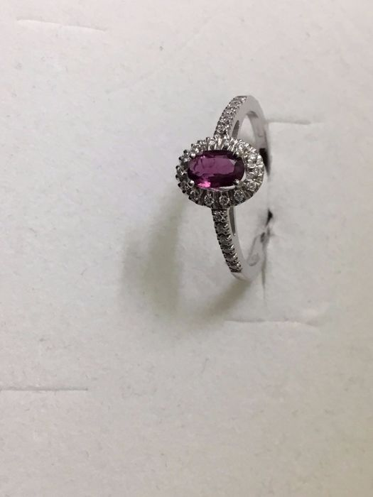 Gold ring (18 kt) Ruby (1 ct) - Diamonds (0.30 ct) - Size 15