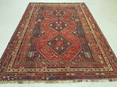 Collectable double knotted Persian Qashghai Shiraz rug
