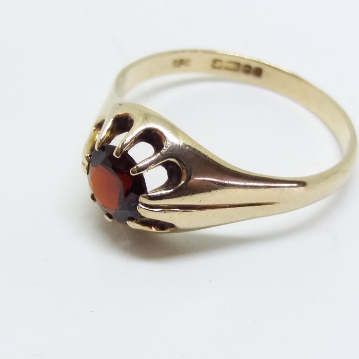 Vintage Round Cut Garnet Gemstone 9ct/9k Yellow Gold Unisex Ring