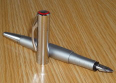 "Rotring Initial ""M"" Silver fountain pen - very nice !"