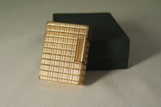 Fine gold plated S.T Dupont lighter