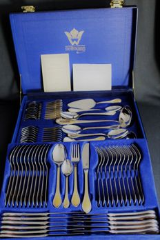 69-piece quality cutlery from Solingen, Germany - 23/24 karat partially gold plated in a high quality leather case