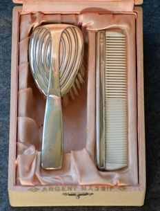 2-piece Art Deco toiletries set: brush and comb - with silver mounts