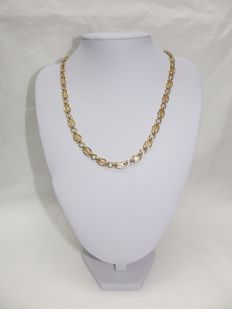 Bi-colour 18 kt Gold Necklace. Links in Shine and Matte Gold, of design. 47 cm.