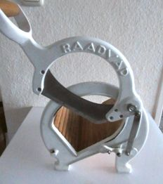 Vintage RAADVAD Cutter / Bread Slicer Danish Design  white Vegetable Fruit Cutting Board Guillotine Slicer Blade in wood and cast iron