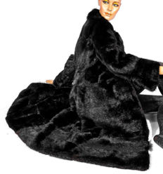 Very beautiful muskrat real fur coat fur coat black coloured, like mink