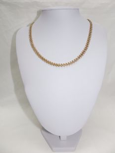 Articulated 18 kt gold necklace with intertwined links – 46 cm
