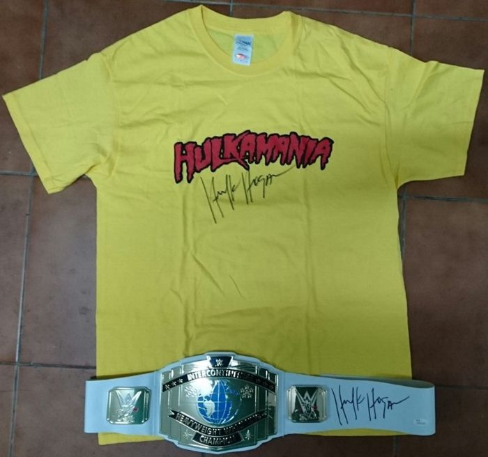 Fantastic lot of champion's belt and T-shirt of Hulk Hogan with his signature and certificates of authenticity