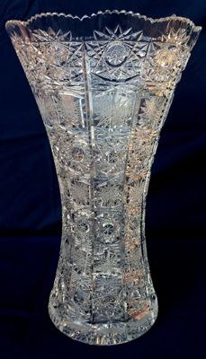 Large vase in cut and chiselled crystal with snowflakes, Baccarat, model: Lagny - France, ca. 1900s