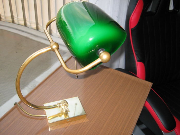 Unknown designer - Vintage brass Notary lamp with green glass shade