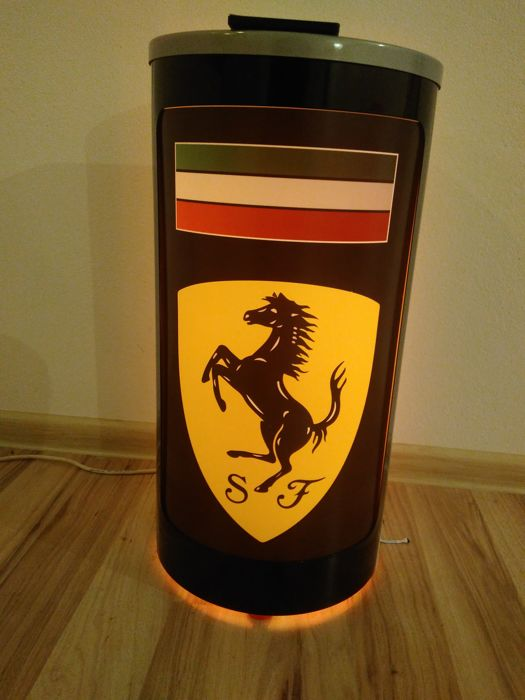 Remote controlled-backlit-cylinder Ferrari box. 200 LEDs - 20 functions-fixed colors-mixed colors-58 / 28cm.On the wall or to put.