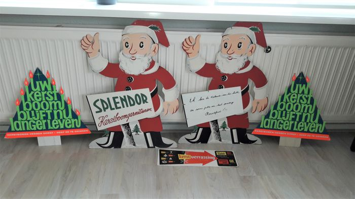 Splendor lighting advertising signs from the 1950s, cardboard Father Christmases *shop display* and 2 cardboard Christmas trees