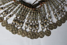 Antique necklace in silvered metal with 24 pendants – Afghanistan – 1950