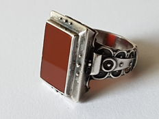 Large ring made of silver with carnelian for men, handiwork from approx. 1910-1920